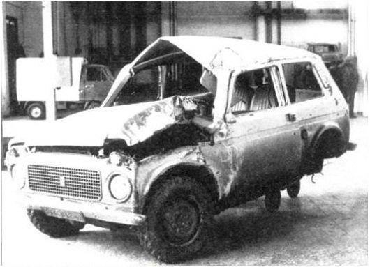 Автомобиль Нива после аварии