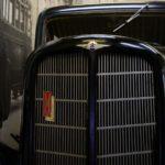 Эмблема и шильдик на решетке радиатора Газ М1